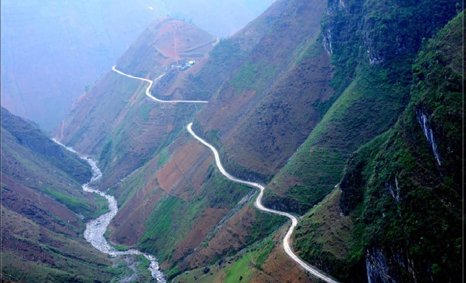 9 cung đường đèo hùng vĩ khiến tín đồ du lịch muốn chinh phục