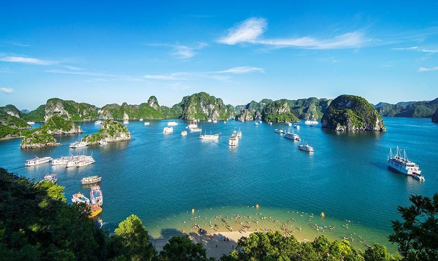 Khám phá vịnh Hạ Long qua ảnh check-in của giới trẻ hè năm nay